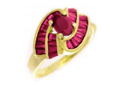 Кольцо из желтого золота с рубином