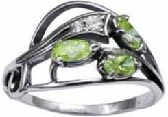 Кольцо из серебра 925 пробы с хризолитом