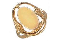 Кольцо из серебра 925 пробы с янтарем