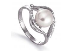 Кольцо из белого золота с жемчугом